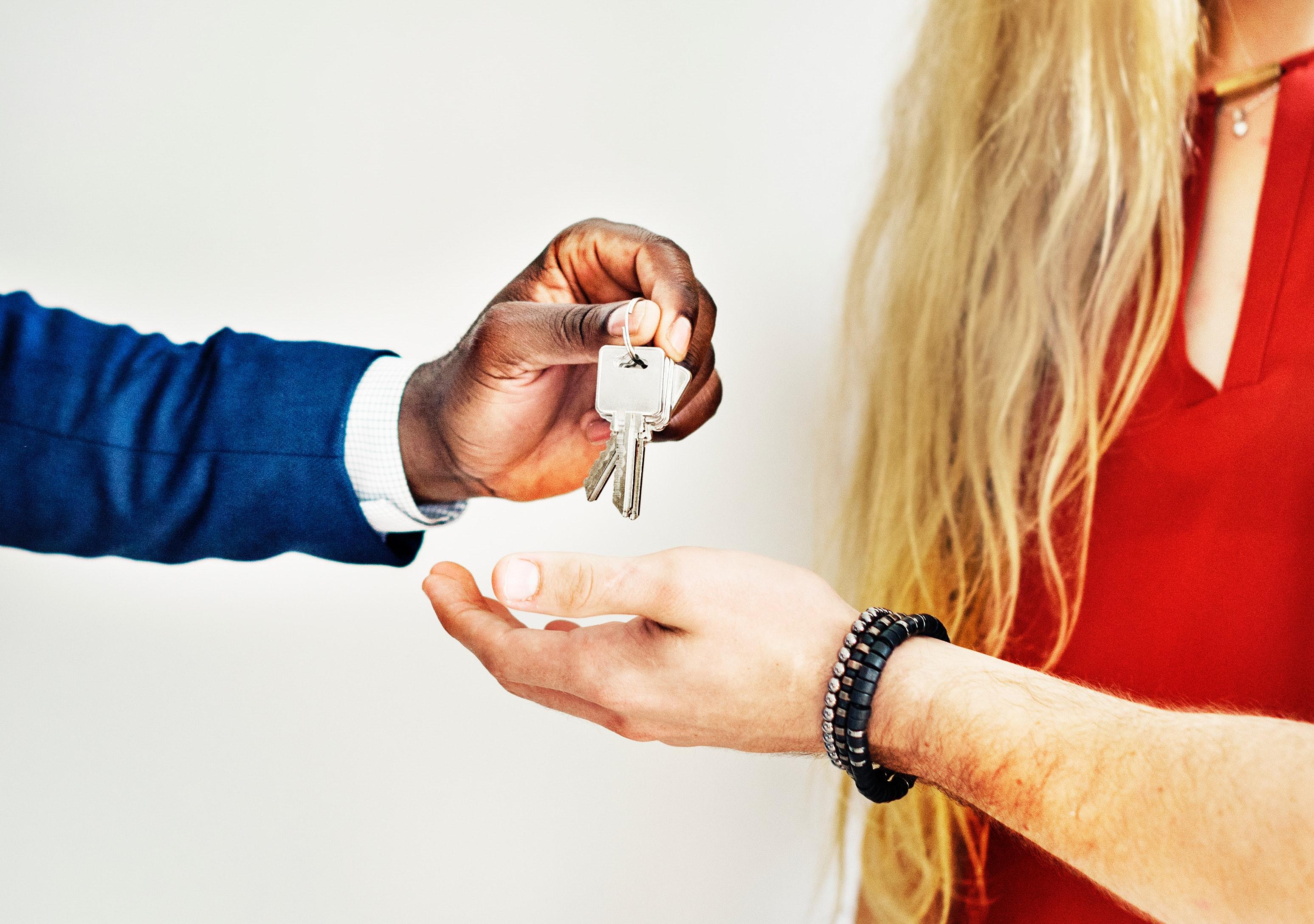 broker-buy-customers-1368687